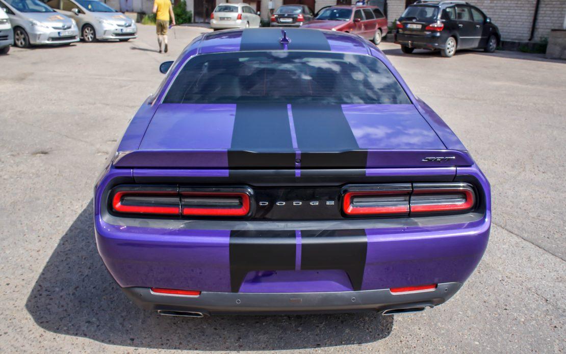 Dodge Challenger SRT estetinis apklijavimas juoda matine plėvele